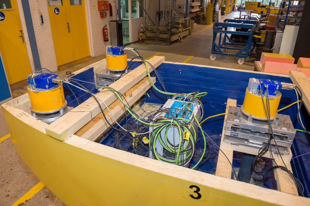 The servo motors in the ship models